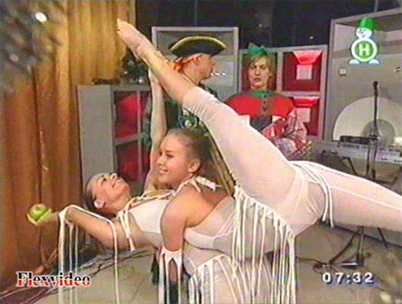 Hot flexible girls