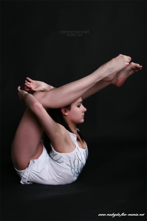flexible girl Nadegda