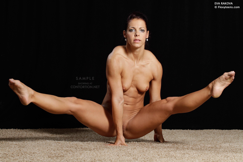 muscular girl gymnasts nude