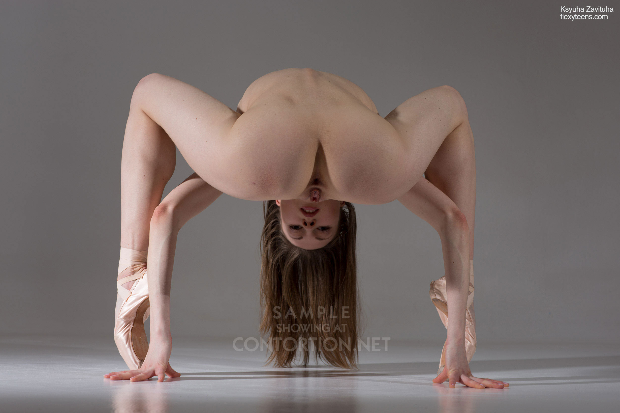 Nude ballet videos with naked flexible girls